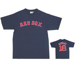 レッドソックスのロゴ入りTシャツ